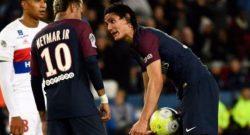 PSG- tensione fra Neymar e Cavani: interviene Al-Khelaifi e decide chi sarà il rigorista