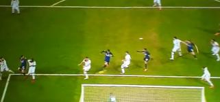 Gol di Skriniar che porta i nerazzurri in vantaggio! Inter 1 Benevento 0 [VIDEO]