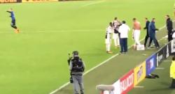 Juventus – Atalanta, l'episodio 'violento' tra Allegri e Benatia ripreso da un tifoso [VIDEO]