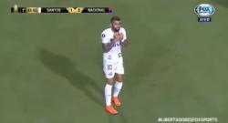 VIDEO / Il Santos vince ma Gabigol viene espulso: entrata scomposta, rosso inevitabile