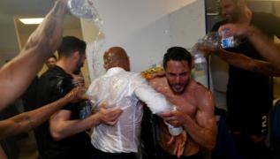 VIDEO / Inter, impazza la festa nello spogliatoio: guardate come viene ridotto Spalletti