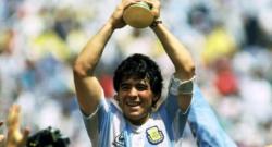 Diego Armando Maradona è morto a 60 anni dopo un arresto cardiaco